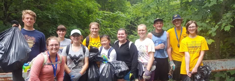 WVU Adventure Orientation Program Cleans Up Ohiopyle!